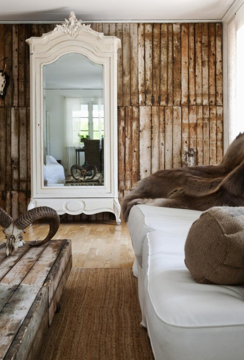 Reclaimed salvaged wood wall http://www.ellasplace.me