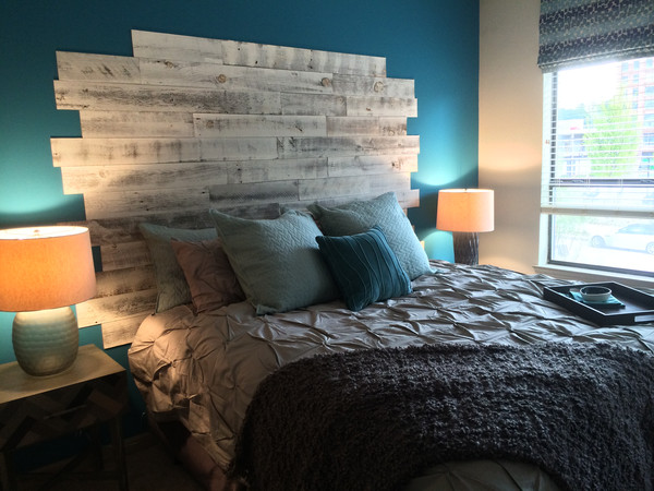 Reclaimed salvaged wood headboard http://www.ellasplace.me
